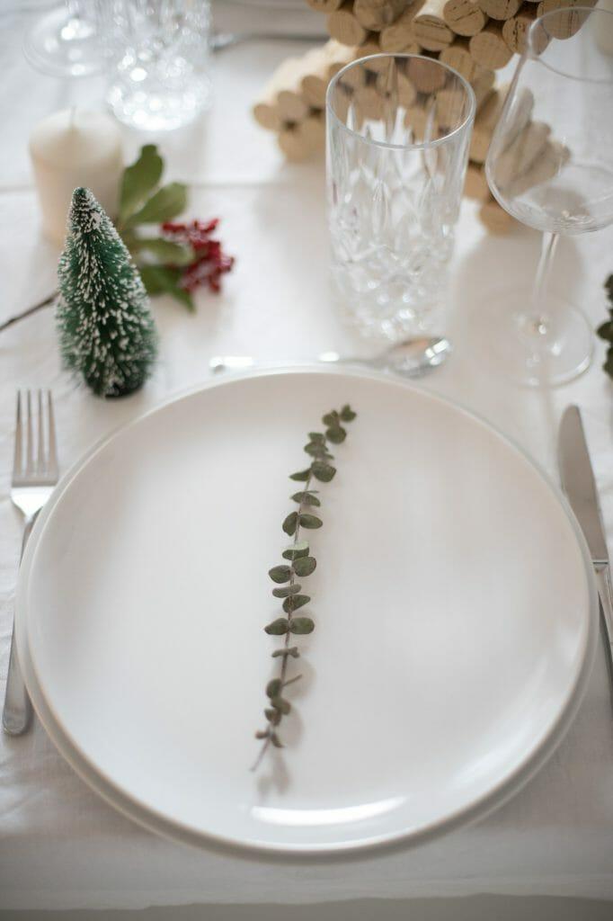 kork-buchstaben-als-weihnachts-tisch-dekoration-5