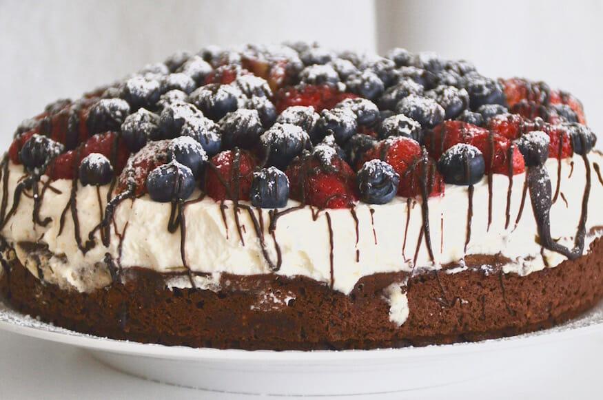 Schokoladenkuchen mit Beeren_4