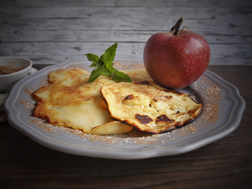 Dinkel Pfannkuchen mit Apfel