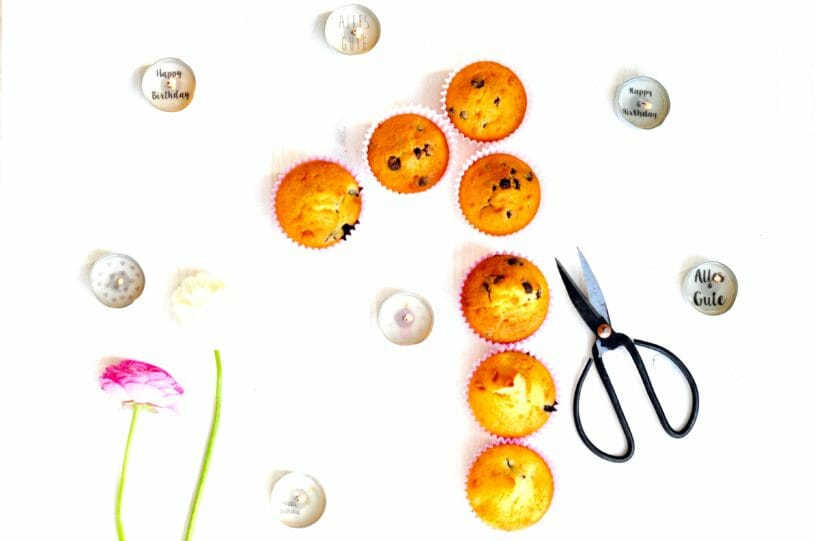 Rezept für Joghurt Muffins und Geburtstagskerzen