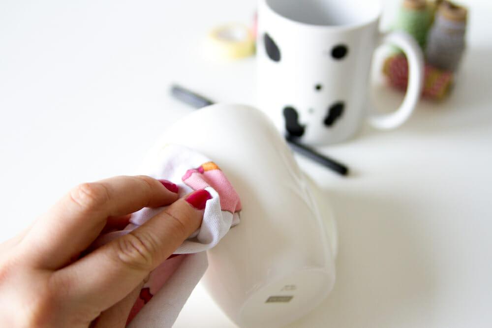IKEA Hack - Tasse mit Porzellanstift gestalten