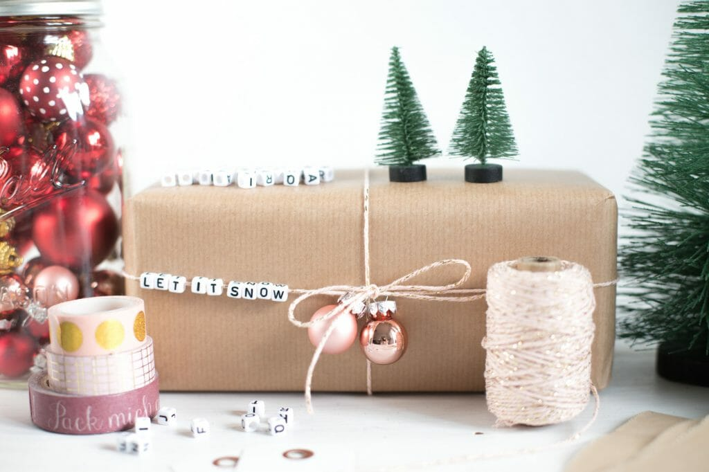 buchstabenperlen-botschaft-auf-geschenkverpackung-3