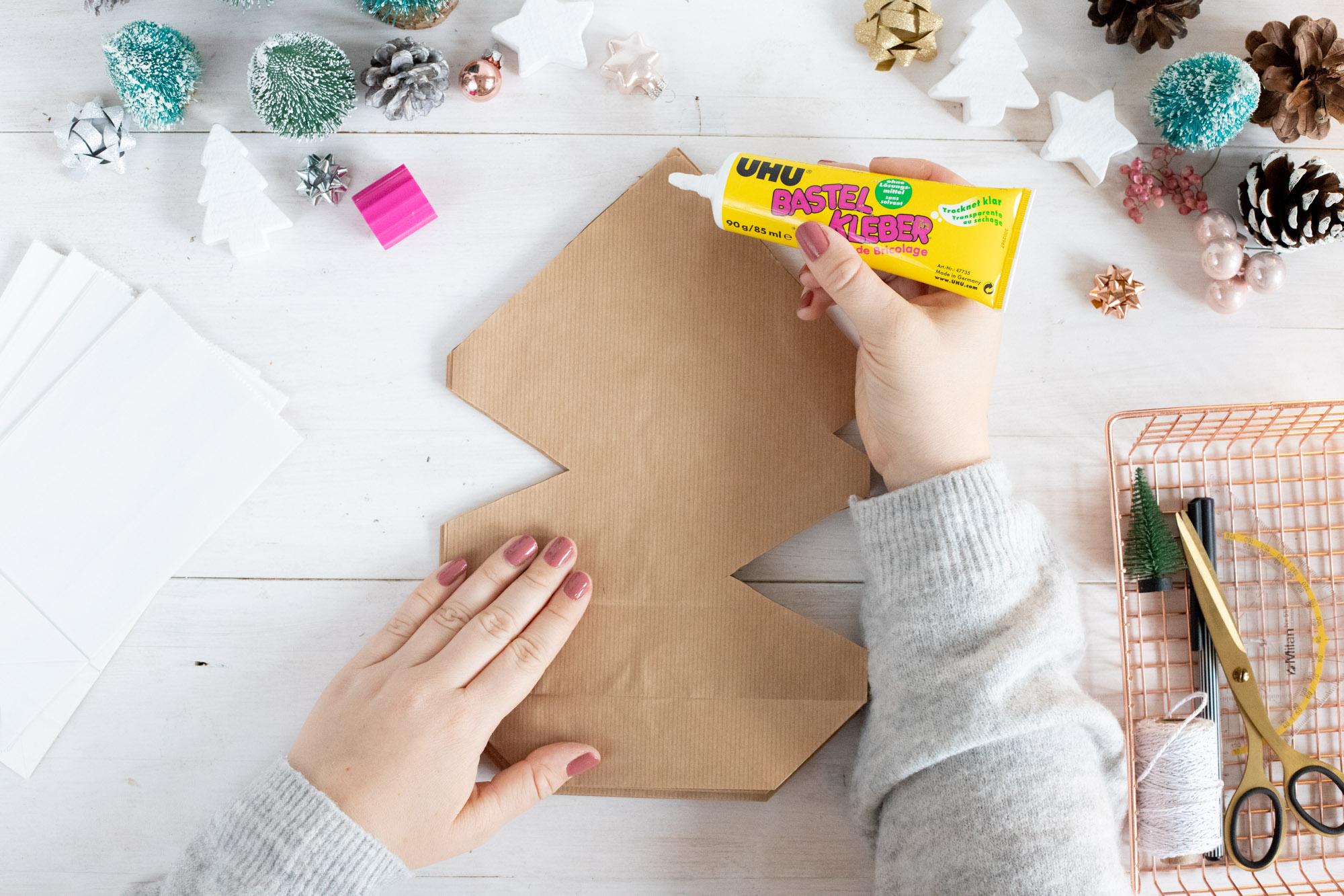 weihnachtssterne_basteln_aus_kraftpapiertüten-2