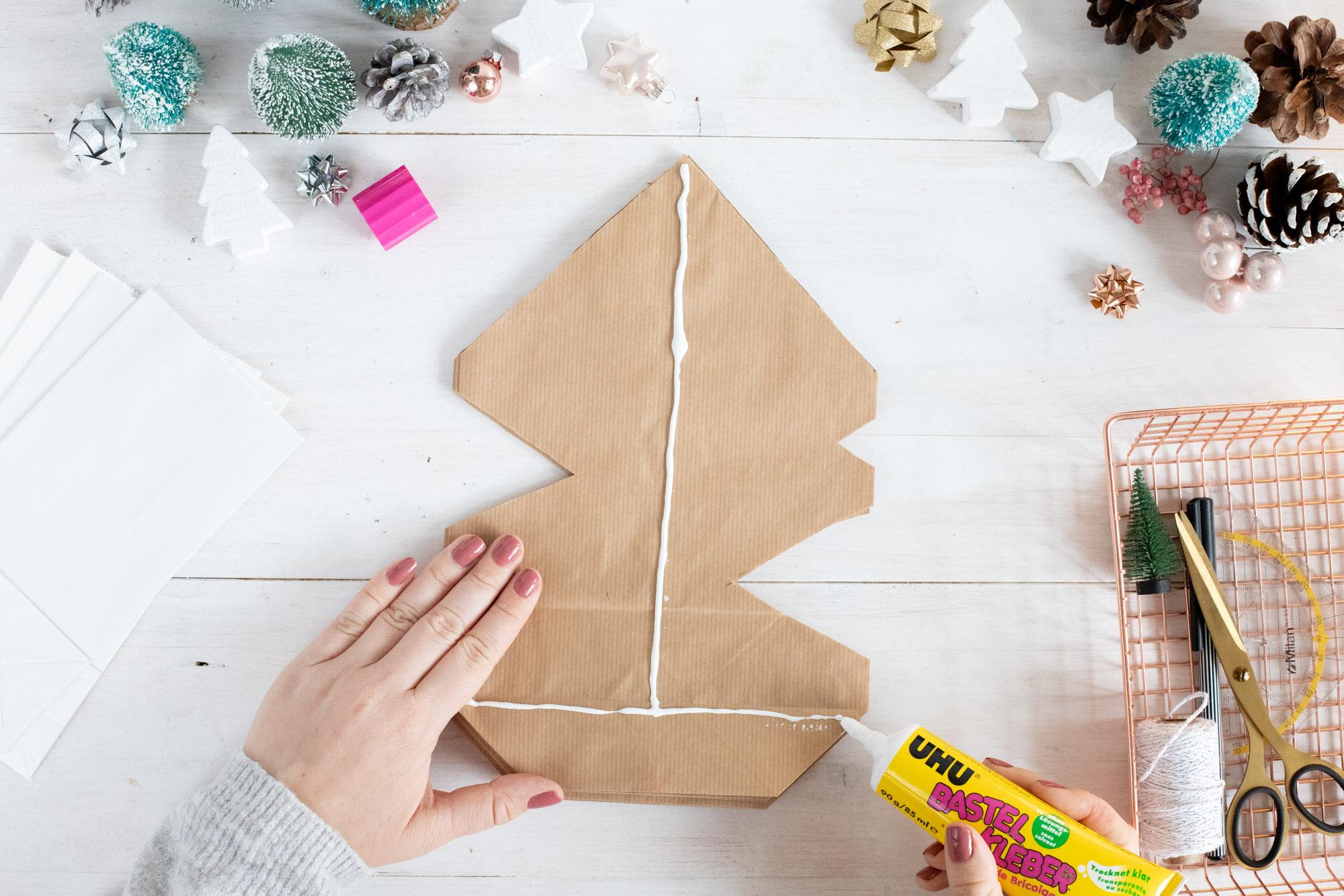 weihnachtssterne_basteln_aus_kraftpapiertüten-4