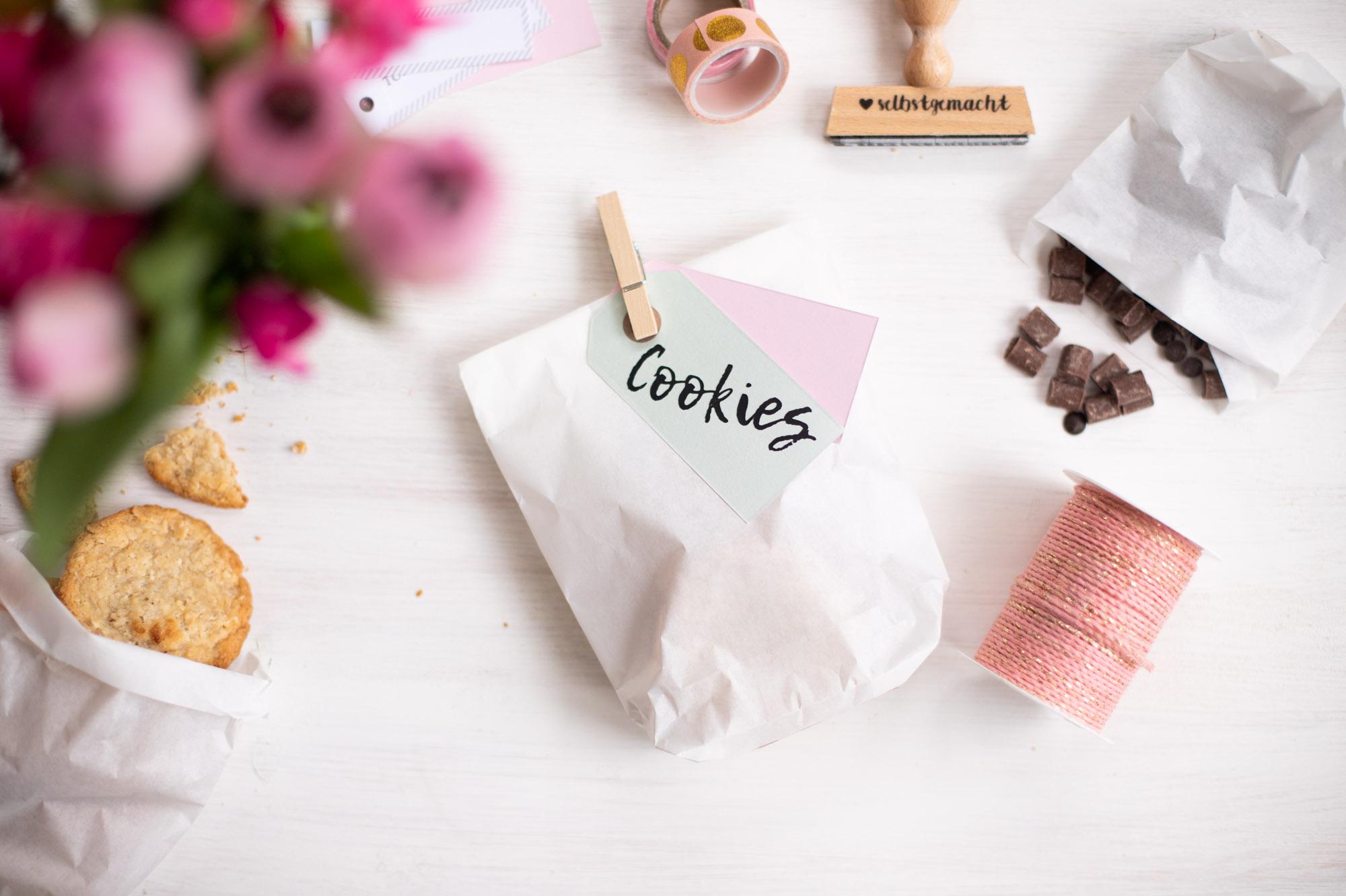 Papiertuueten_als_Geschenktüten_für_kekse_basteln