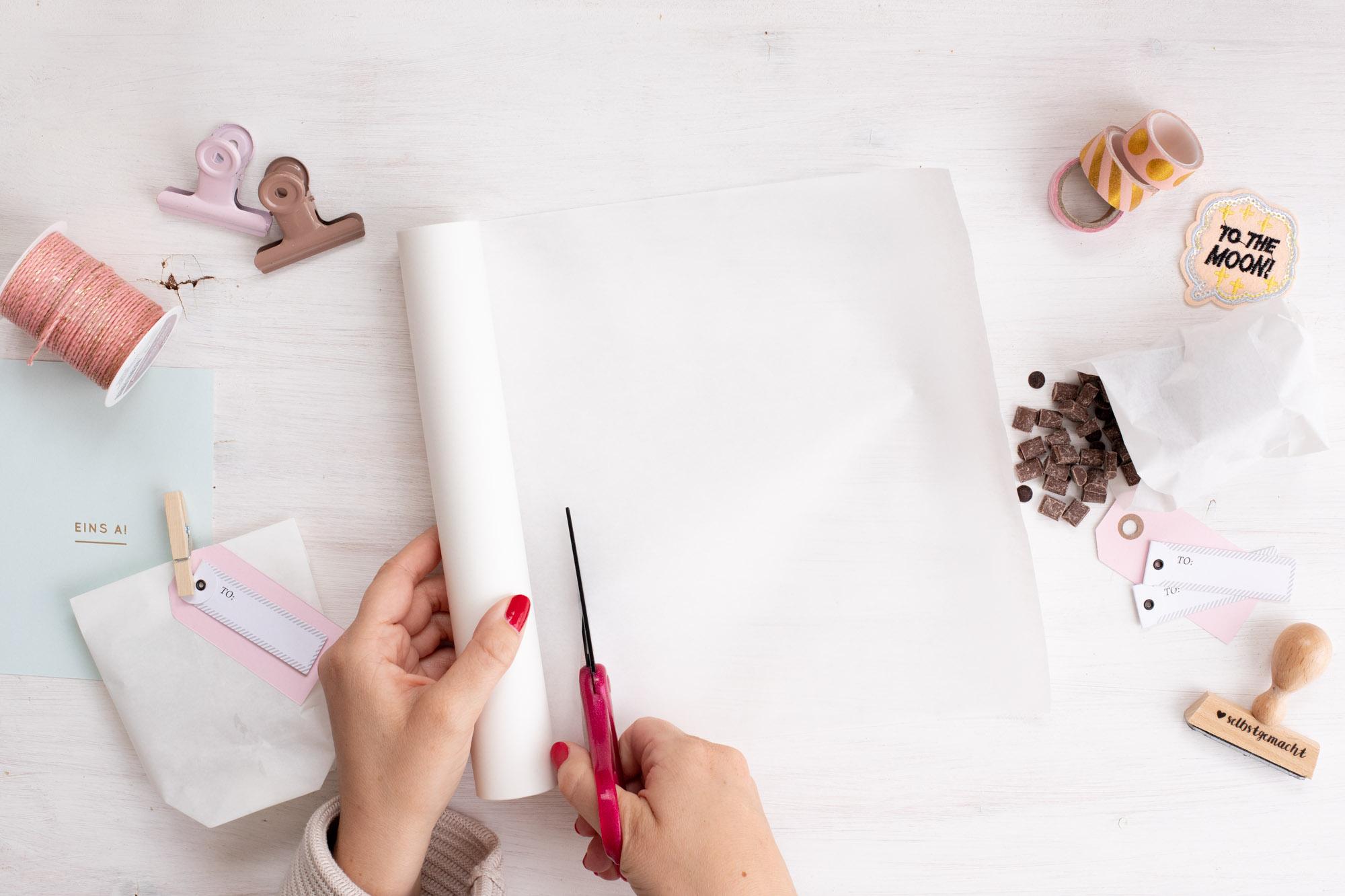 Papiertüten_als_Geschenktüten_für_kekse_basteln-Schritt_1_Zuschneiden