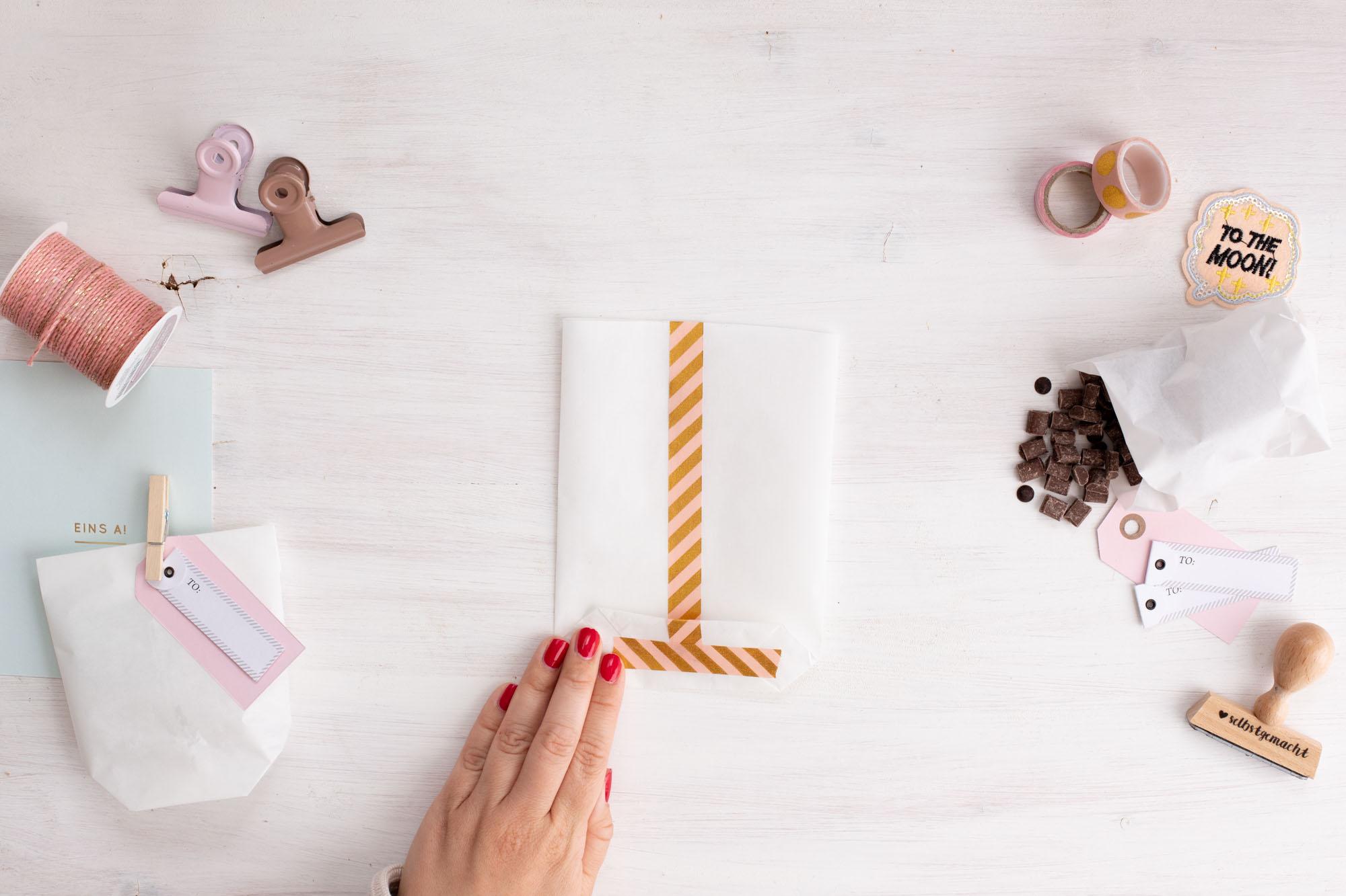 Papiertüten_als_Geschenktüten_für_kekse_basteln-Schritt_9_fertig