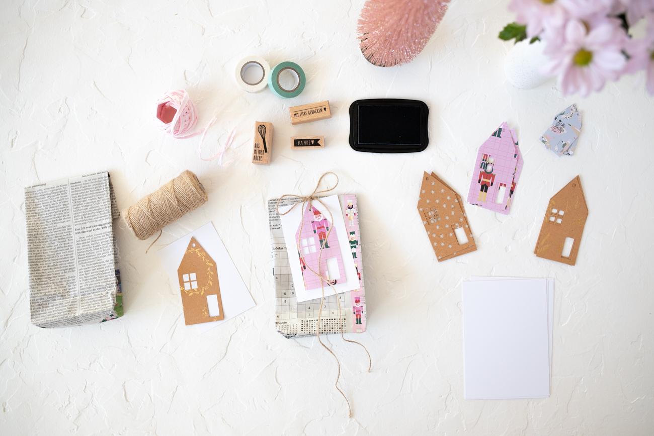 weihnachtsgeschenke-verpacken-mit-zeitung-11