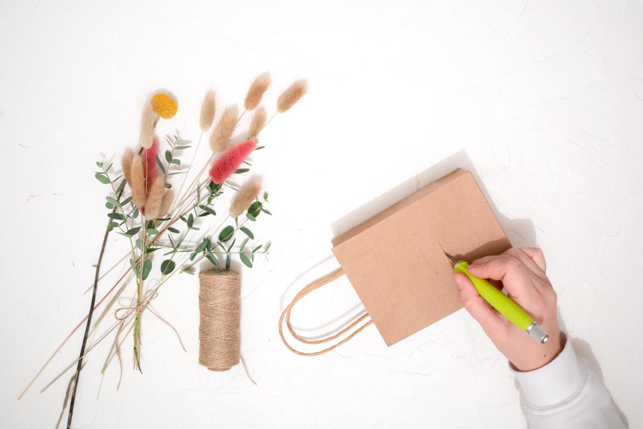 Einschub für Blumen einschneiden