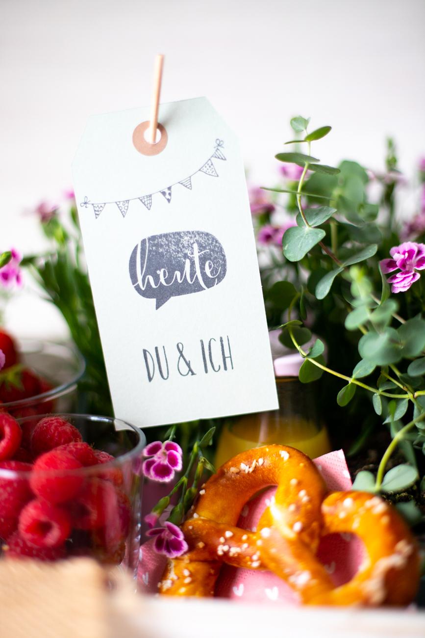 Geschenkidee: Freude und Blumen schenken zum Tag der Freundschaft