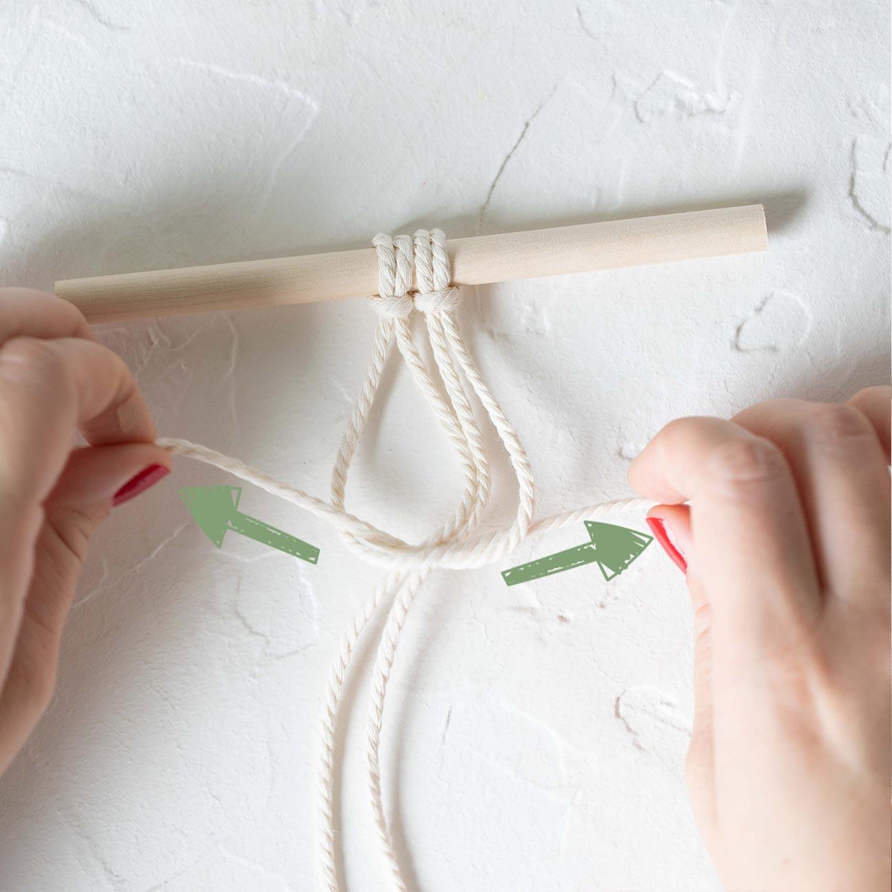 Makramee Kreuzknoten knüpfen Schritt 3